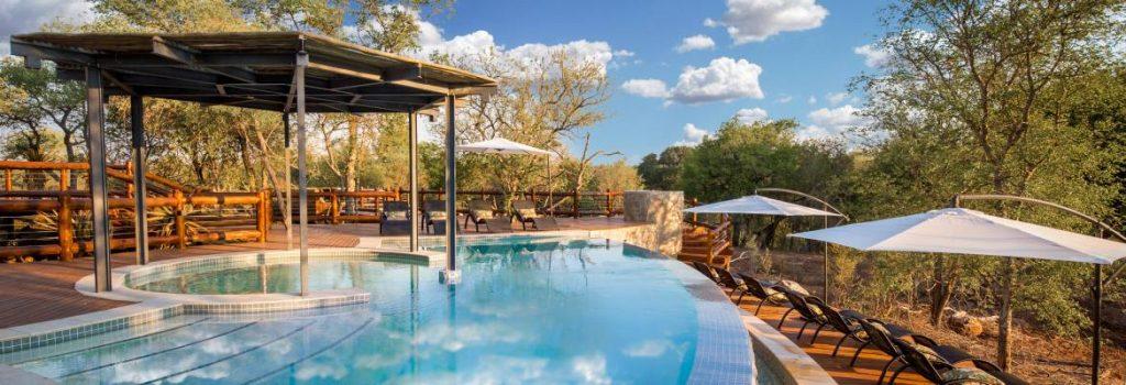Makalali Main Lodge curved pool