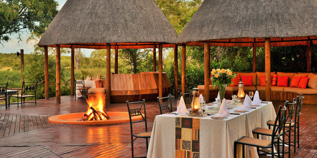 Hoyo Hoyo Safari Lodge dining